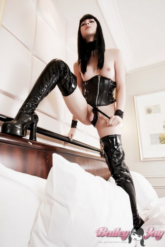 hot ts bailey jay in leather and latex